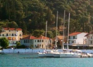 Ag Eufemia, Kefalonia www.island-sailing.com