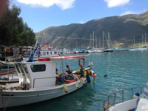www.island-sailing.com Vassiliki, Lefkada